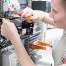 Elektronikerin für Betriebstechnik
