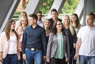 Gruppe von Finanzanwärterinnen und Finanzanwärtern